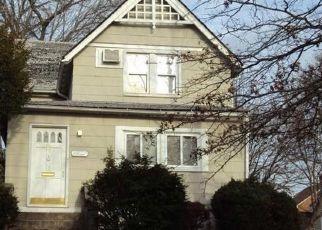 Casa en ejecución hipotecaria in Harrison, NY, 10528,  OAK ST ID: P1113042