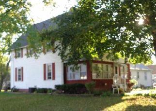 Foreclosed Home en W GRAND AVE, Beloit, WI - 53511