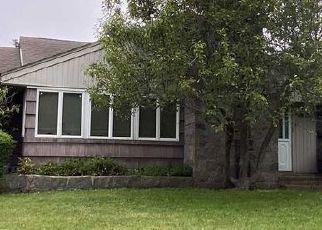 Casa en ejecución hipotecaria in Patchogue, NY, 11772,  MONROE AVE ID: P1113661