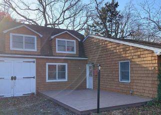 Foreclosed Home en CLINTON ST, Babylon, NY - 11702