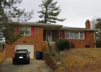 Foreclosed Home en FOSTER PL, Temple Hills, MD - 20748