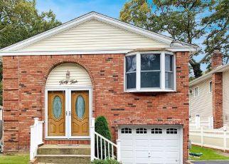 Casa en ejecución hipotecaria in Ronkonkoma, NY, 11779,  3RD ST ID: P1115294
