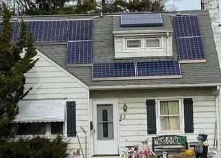 Foreclosed Home en FOSTER BLVD, Babylon, NY - 11702