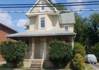 Foreclosed Home en DUNDALK AVE, Dundalk, MD - 21222