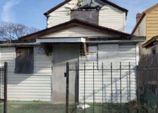 Foreclosed Home en ROCKAWAY BLVD, Jamaica, NY - 11434