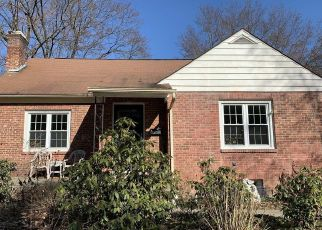 Foreclosed Home en ELSMERE AVE, Delmar, NY - 12054