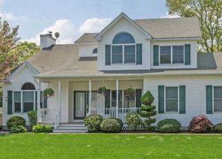 Casa en ejecución hipotecaria in Nesconset, NY, 11767,  RAPHAEL BLVD ID: P1117886