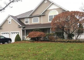 Foreclosed Home in CRYSTAL CT, Smithtown, NY - 11787