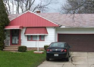 Foreclosed Home en PRESTON RD, Cleveland, OH - 44128