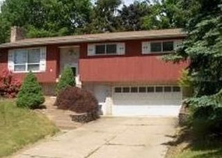 Foreclosed Home en WOODSIDE RD W, Apalachin, NY - 13732