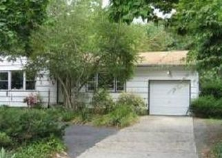 Foreclosed Home in NICHOLS RD, Hauppauge, NY - 11788
