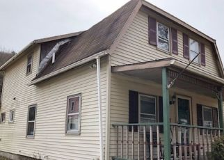 Foreclosed Home en COLLEGE AVE, Corning, NY - 14830