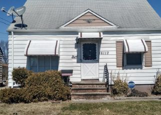 Foreclosed Home en TURNEY RD, Maple Heights, OH - 44137