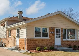 Foreclosed Home en N STEWART AVE, Lombard, IL - 60148