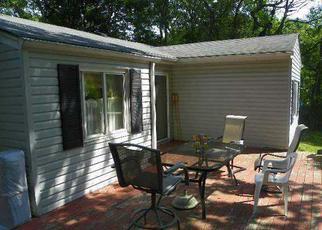 Casa en ejecución hipotecaria in Central Islip, NY, 11722,  FIG ST ID: P1121545