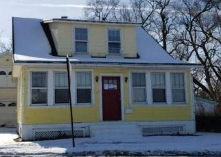 Foreclosed Home en HARRY HOWARD AVE, Hudson, NY - 12534