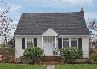 Casa en ejecución hipotecaria in Ronkonkoma, NY, 11779,  CARLSON RD ID: P1122411