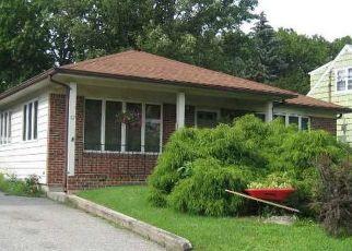 Casa en ejecución hipotecaria in Huntington, NY, 11743,  EDGAR CT ID: P1124549