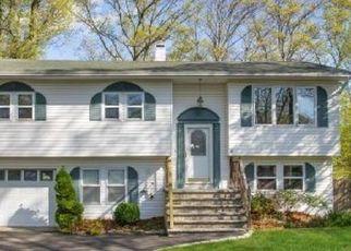 Casa en ejecución hipotecaria in Ronkonkoma, NY, 11779,  COLLINGTON DR ID: P1124554