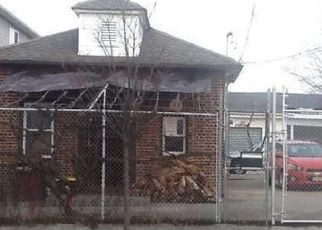 Foreclosed Home en GRANDVIEW AVE, Staten Island, NY - 10303