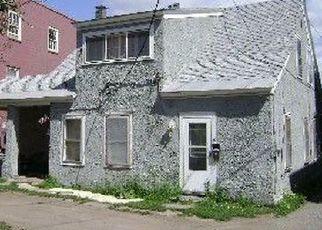 Foreclosed Home en DUDLYVILLE DR, Ticonderoga, NY - 12883