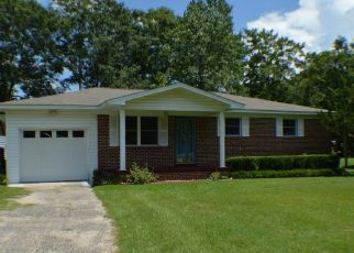 Foreclosed Home en MAPLE ST, Chipley, FL - 32428