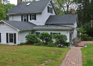 Foreclosed Home in TURKEY LN, Cold Spring Harbor, NY - 11724