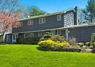 Foreclosed Home en SPLIT ROCK CT, Melville, NY - 11747
