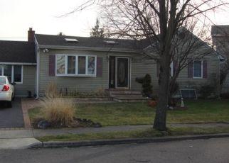 Casa en ejecución hipotecaria in Babylon, NY, 11702,  WEST GATE ID: P1127303