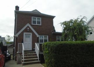 Foreclosed Home en OAK ST, Harrison, NY - 10528