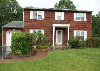 Foreclosed Home in SAMPSON AVE, Islandia, NY - 11749