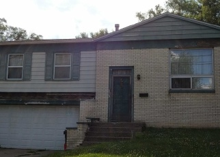 Foreclosed Home in FLORENCE AVE, Pekin, IL - 61554