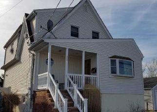 Casa en ejecución hipotecaria in Lindenhurst, NY, 11757,  W RIVIERA DR ID: P1130747