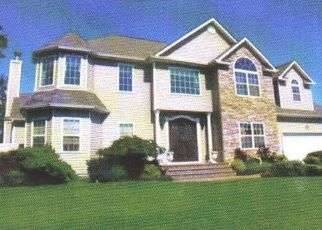 Foreclosed Home en JUSTIN CIR, Port Jefferson Station, NY - 11776