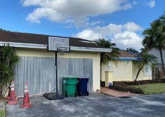 Foreclosed Home en SW 134TH PL, Miami, FL - 33186