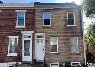 Foreclosed Home en E SPRUCE ST, Norristown, PA - 19401