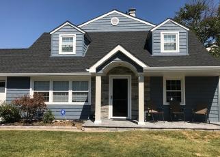 Foreclosed Home in GWENN GATE, Seaford, NY - 11783