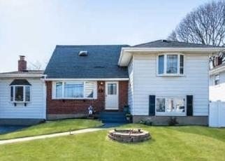 Casa en ejecución hipotecaria in Copiague, NY, 11726,  MANOR LN ID: P1132668