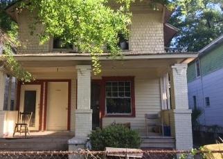 Foreclosed Home en E 17TH ST, Jacksonville, FL - 32206