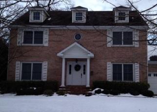 Casa en ejecución hipotecaria in Brightwaters, NY, 11718,  ORCHARD DR ID: P1133329