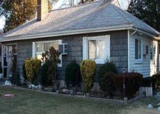 Casa en ejecución hipotecaria in Freeport, NY, 11520,  PARK AVE ID: P1133619