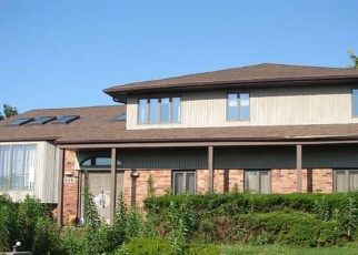 Foreclosed Home in HARBOR LN, Massapequa Park, NY - 11762