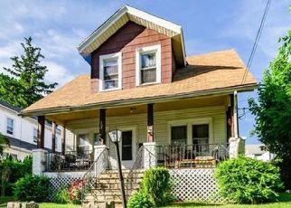Foreclosed Home en HAYWARD ST, Yonkers, NY - 10704