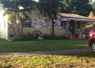 Foreclosed Home en WREN AVE, Miami, FL - 33166