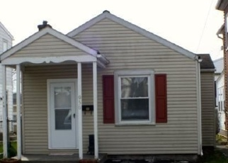 Foreclosed Home en QUEEN ST, Pottstown, PA - 19464