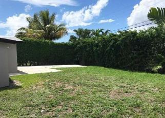 Foreclosed Home en NW 174TH ST, Hialeah, FL - 33015