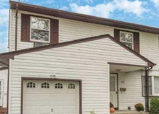 Casa en ejecución hipotecaria in Melville, NY, 11747,  EARL RD ID: P1136499