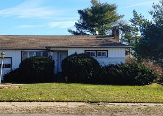 Foreclosed Home in MILBURN AVE, Baldwin, NY - 11510
