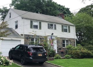 Foreclosed Home en PORTNELLAN AVE, New Rochelle, NY - 10804