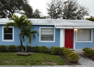 Foreclosed Home en NW 5TH AVE, Dania, FL - 33004